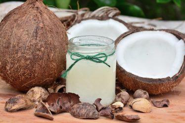 домашна маска за коса с кокосово масло и канела